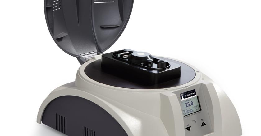 Laserowy Analizator wielkości Nanocząstek to specjalistyczne urządzenie które umożliwia badanie oraz określanie właściwości cząsteczek.